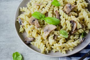 Pasta Fusili with mushrooms, sause c