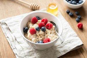 Oats porridge with fresh berries