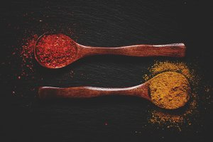 Curry and chili pepper spices, woode