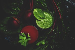 Healthy smoothies made of spinach an