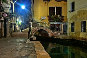 Venice by night 074.jpg