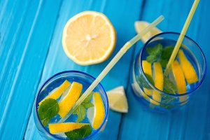 Refreshing lemonade with lemon and m