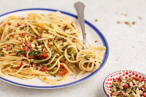 Healthy vegan pasta with zucchini
