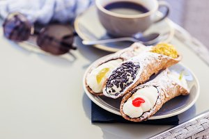plate of Sicilian Cannoli