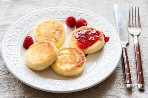 Cottage cheese pancakes or syrniki