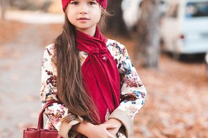 Autumn portrait of kid girl