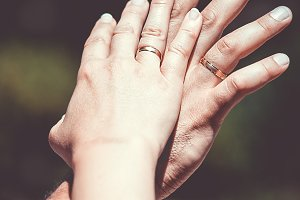 Alliances of newlyweds