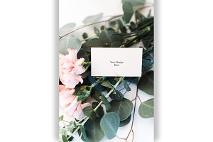 Floral Business Card PSD Mockup
