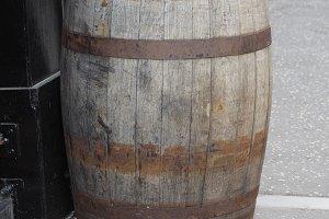 wooden barrel cask