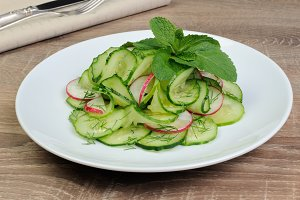 salad cucumber with radish