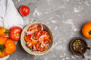 Tomato salad with onions.