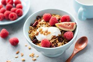 Granola bowl with berries and yogurt