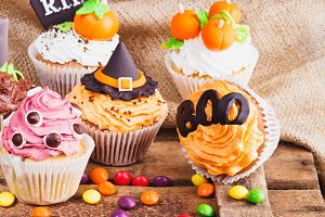 Halloween cupcakes with colored mast
