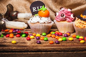 Halloween cupcakes with colored deco