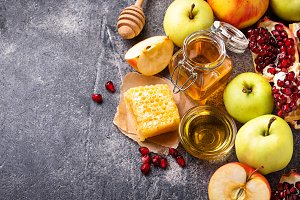 Honey, apple and pomegranate for