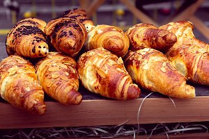 differents kinds of croissants