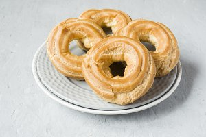 Custard cake rings on a plate on a