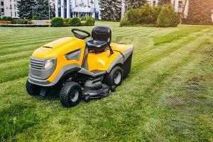 Grass cutter. Machine for cutting.