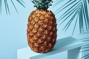 Composition with pineapple on a