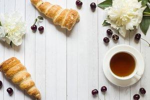 Frame custard cakes cherry flowers