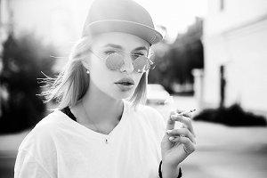 Beauty woman smoking cigarette