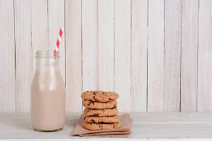 Bottle-chocolate-milk-straw-cookie-stack.jpg