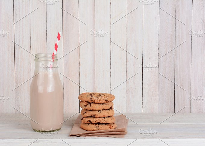 Bottle-chocolate-milk-straw-cookie-stack.jpg - Food & Drink