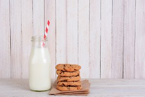 Bottle-milk-straw-cookie-stack.jpg
