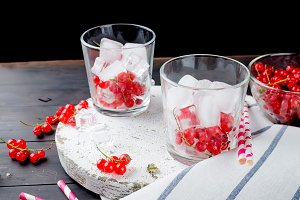 refreshing drink with red currant