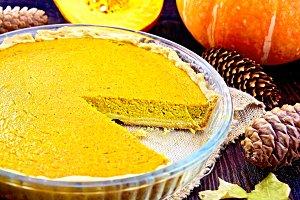 Pie pumpkin in glass pan