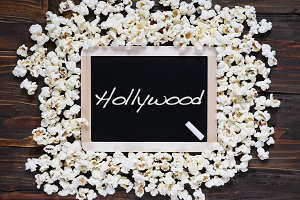 Popcorn and word Hollywood.