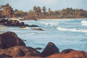 Rocky Beach, Bay