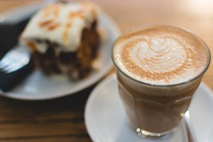Cortado and sweet carrot cake