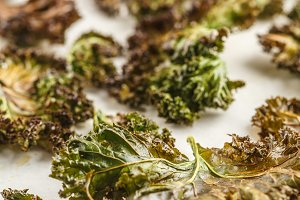 Green kale chips