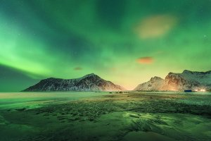 Northern lights on the beach
