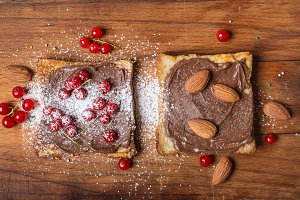 Fried toasts with chocolate cream, n