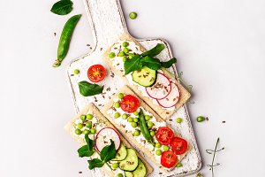 Healthy sandwiches with soft cheese