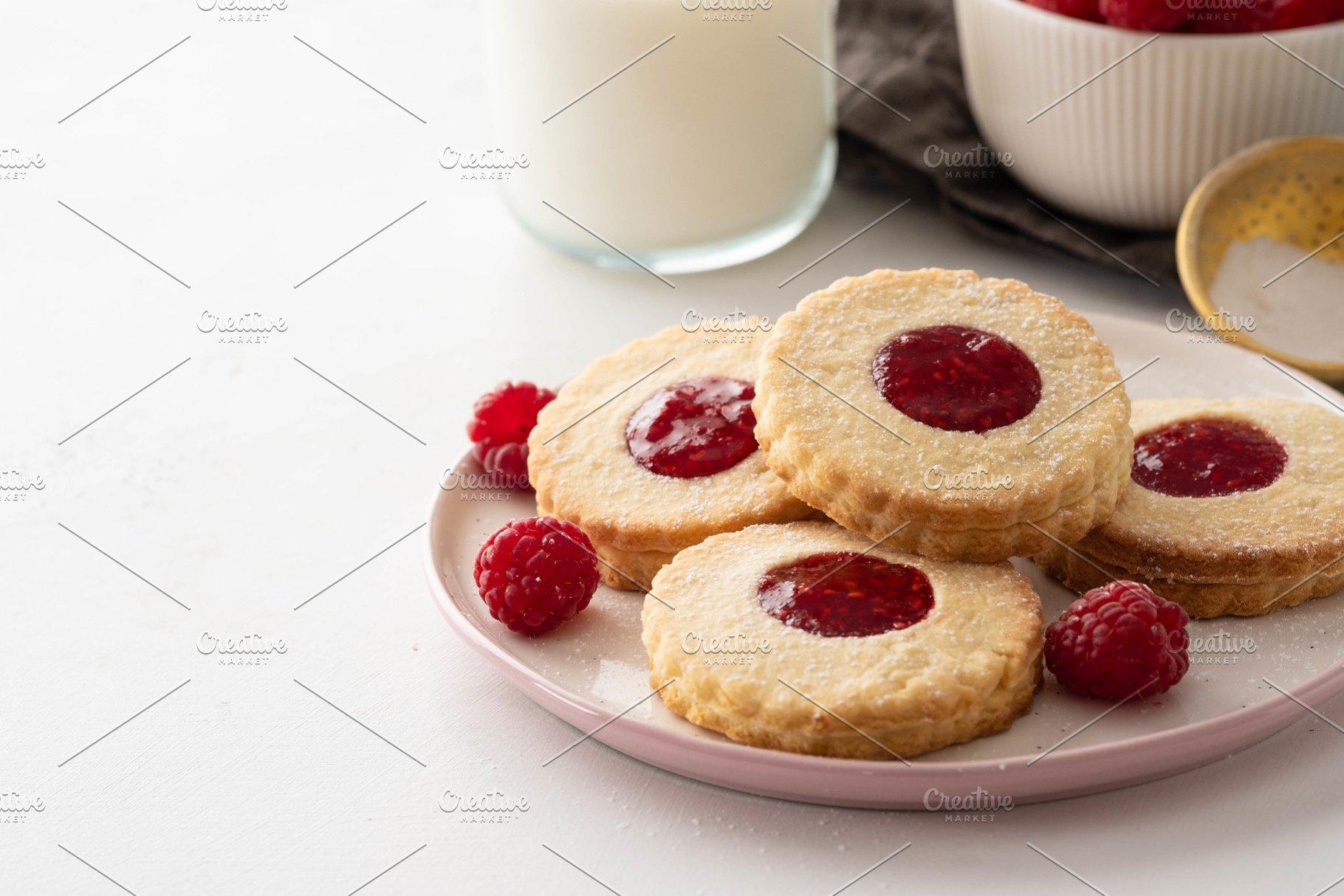 Christmas Cookies Linzer Cookies