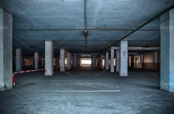 Underground.JPG - Architecture