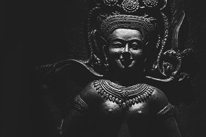 Apsarasa Statue