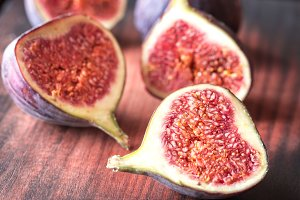 Fresh figs on the wooden board