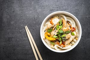 Udon stir-fry noodles with chicken