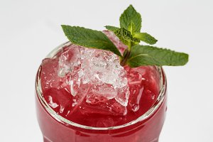 Berry cocktail with ice