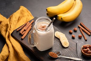 Banana smoothie with cinnamon