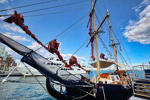 Boston Harbor and harbor boat tours