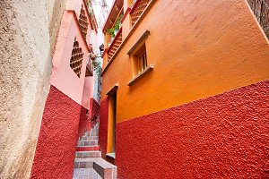 Guanajuato, famous Alley of the Kiss