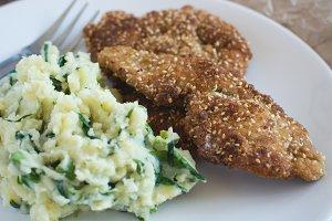 Chicken schnitzel with mashed potato