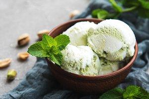 pistachio ice cream and mint