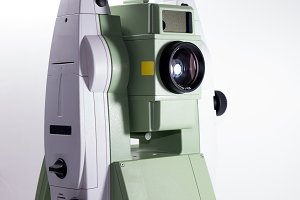 Electronic theodolite for land surve