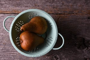 Bosc pears in a colander